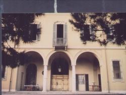 Lainate. Barbaiana. Villa Bianchi - Meraviglia - Osculati di Barbaiana. Facciata cortile interno villa Bianchi - Meraviglia - Osculati di Barbaiana
