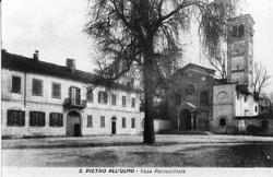 San Pietro all'Olmo: piazza vecchia [3]