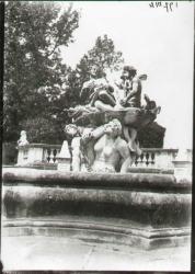 Gruppo centrale della fontana di Teti vista da sud est