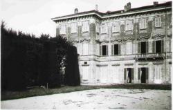 Palazzo del settecento visto dalla carpinata