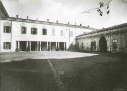 La corte d'onore della Villa