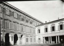 Corte d'onore della Villa