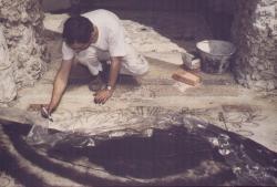 Pavimento galleria delle romane [Ninfeo] in fase di restauro