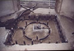 Restauro dei giochi d'acqua della pavimentazione nella galleria delle romane