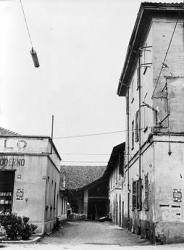 San Pietro all'Olmo: angolo di piazza Dubini