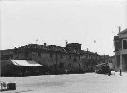 Cornaredo: angolo sud-est di piazza Libertà