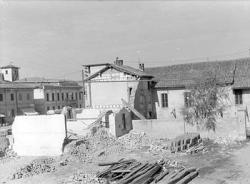 [4]: Cornaredo: abbattimento del cortile del fattore di casa Serbelloni