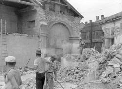 [10]: Cornaredo: abbattimento del cortile del fattore di casa Serbelloni