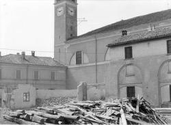 [13]: Cornaredo: abbattimento del cortile del fattore di casa Serbelloni