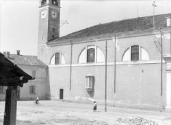 [20]: Cornaredo: abbattimento del cortile del fattore di casa Serbelloni