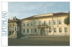 Municipio e Monumento dei caduti