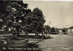 Piazza Visconti e via Porta Ronca